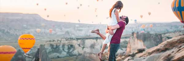 How to Add Romance to Your Visit to Lisle couple romance - How to Add Romance to Your Visit to Lisle